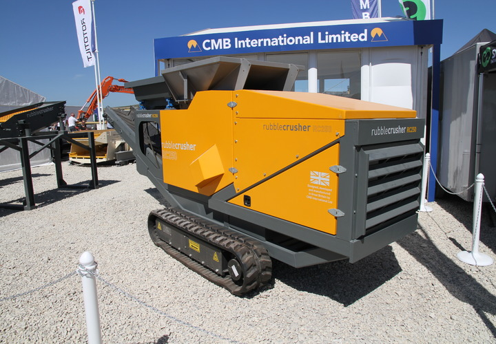 The new tracked CMB International RC150 Rubble Crusher attracts lots of interest at Hillhead.